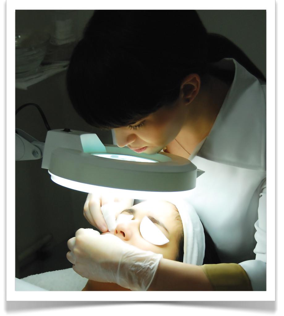 HB-MJO-FacialVSRC-DSC_0845-Postcard-20150118
