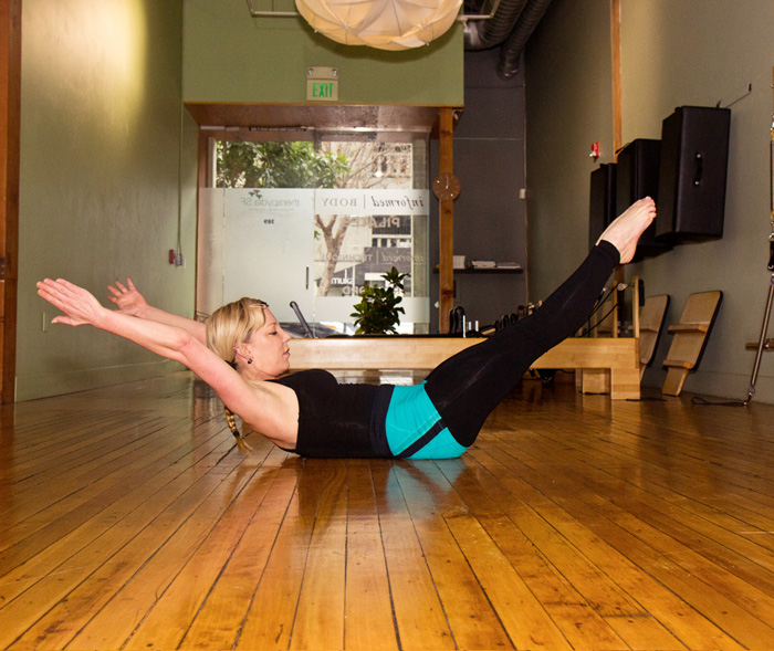FloorBarre_4B_DoubleLegStretch