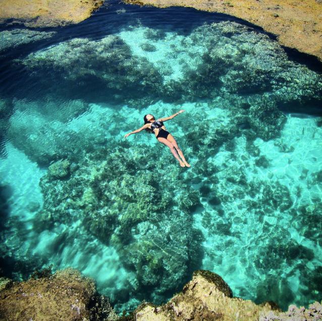 Instagram-ElaineAbonal-FloatingEmeraldWaterCorals-20150804