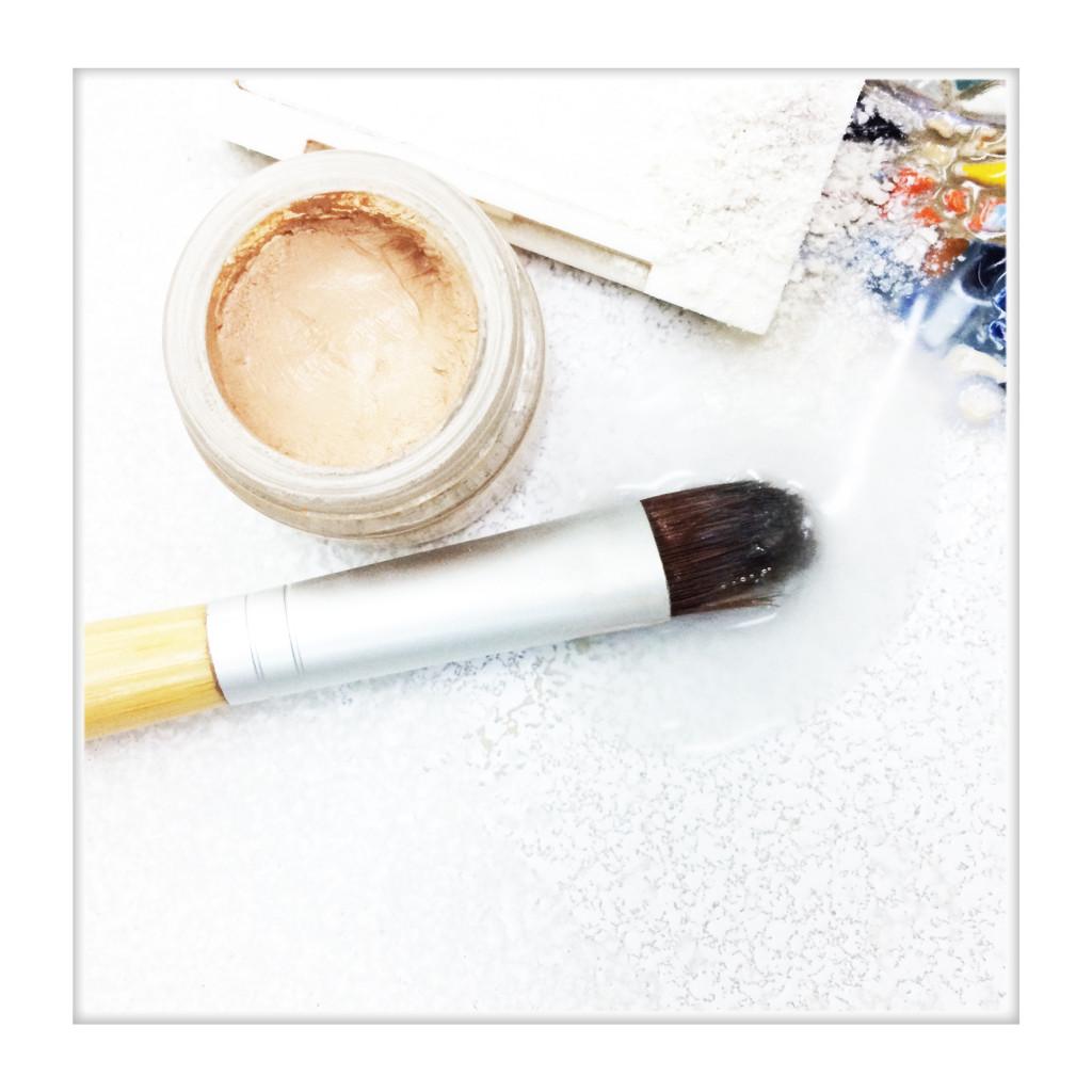 instagram-lvb-vco-luminous-concealer-wframe-20161226