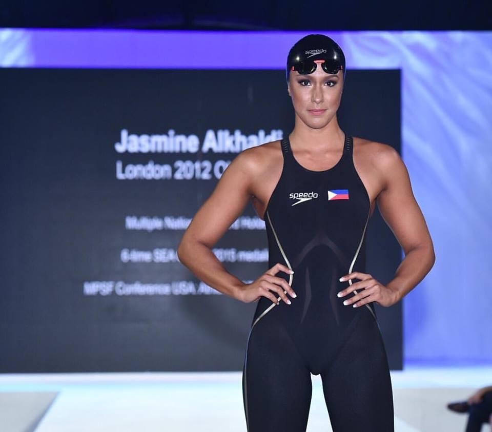 JasmineAlkhaldi-StandingMakeupStage-13516701_10209582399221441_7608738809331665130_n
