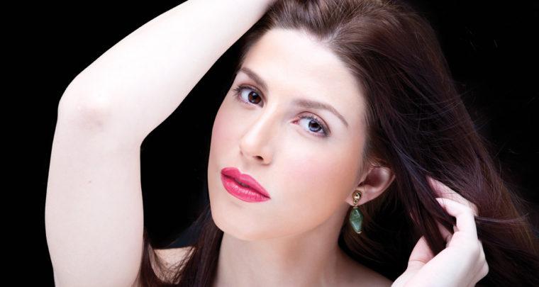 Turn Any Lipstick Into A High-Shine, Moisturizing Lip Treatment!